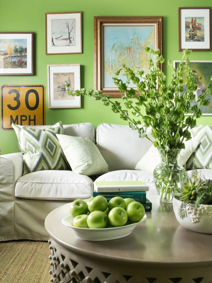 Introducing the 2017 Pantone Color of the Year: Greenery ...