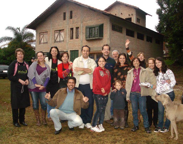 Tarde com alunos no atelier, em curso promovido pela secretaria municipal de cultura, no atelier.
