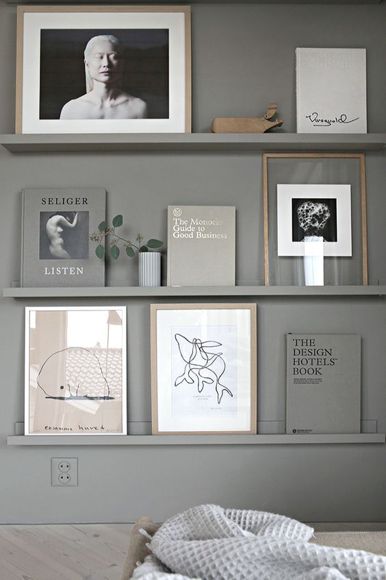 I love a good shelfie... Styled to perfection!