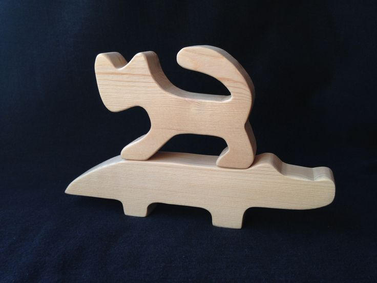 Кошка и крокодил. Деревянные игрушки ручной работы. Сосна. Покрыты акриловым лаком Тиккурила. Цена за пару 700 ₽. Тираж ограничен. Спешите купить!
