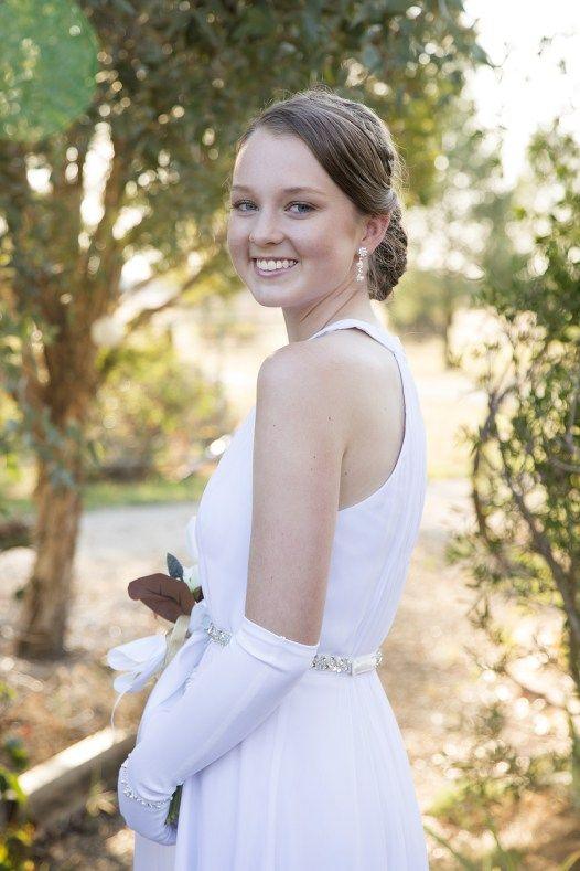 Ashton Taylor - Photographer ashtontaylor.com.au #debutante #formal #portrait #riverina