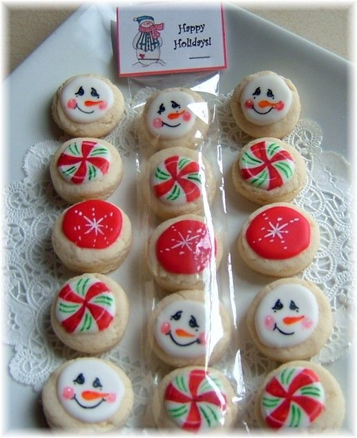 Christmas Cookies - neighbor gifts     Make sure to sign up with LeAnn before doing cookies or popcorn.