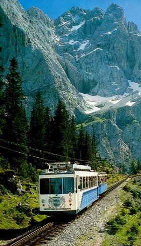 Bayrische Zugspitzbahn    Unter dem Riffelriss