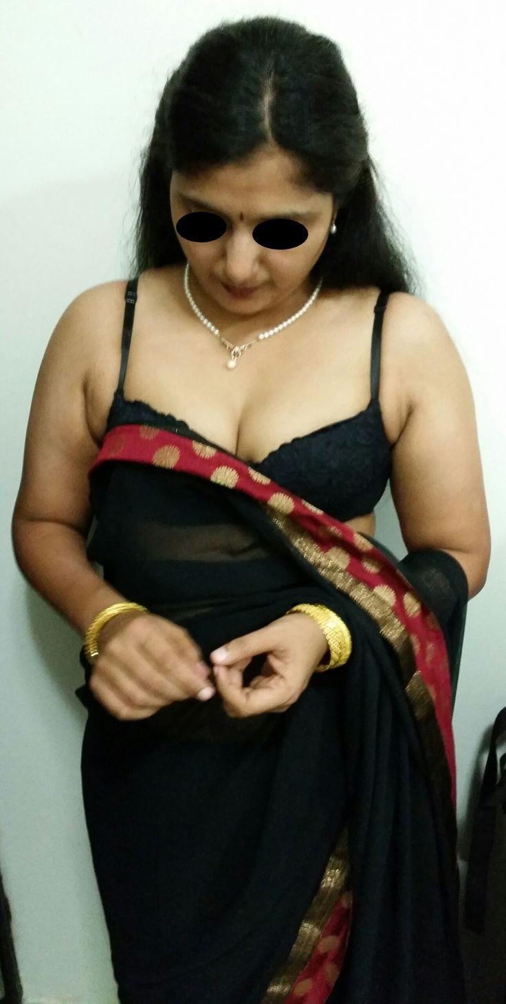 Aunty nude photos.