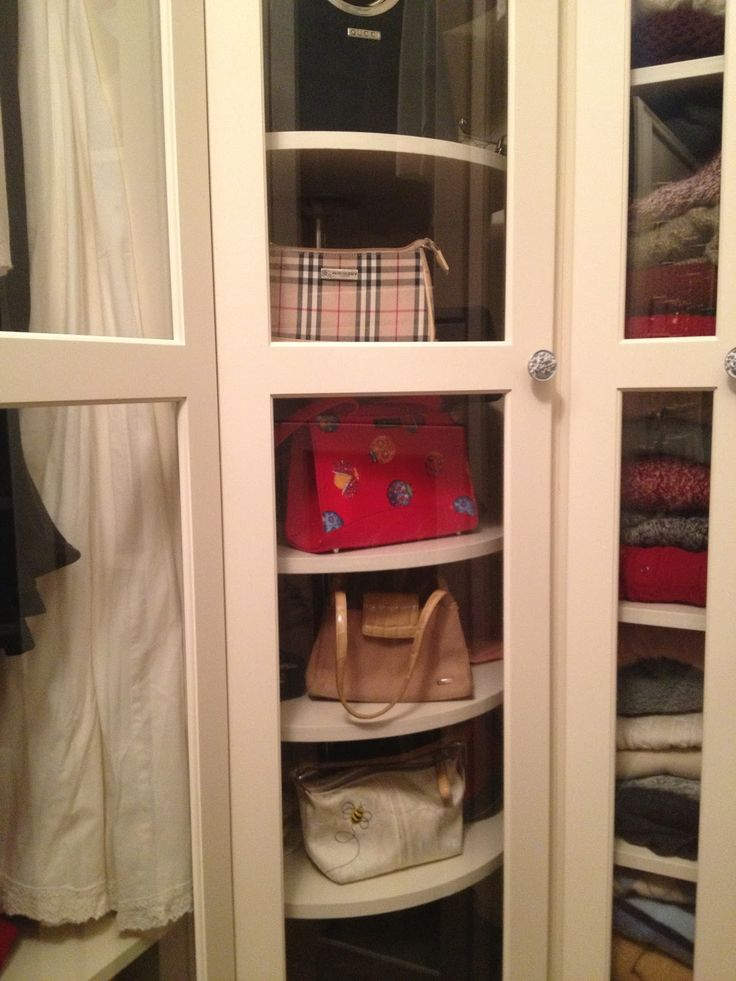 Stone Pond House: Closets