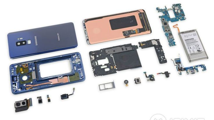 Galaxy S9 Galaxy S9 Get Low Repairability Score in iFixit Teardown  Galaxy S9 and Galaxy S9 smartphones are yet to be released by Samsung in many markets including India. However DIY repair authority iFixit has brought a detailed teardown to reveal the internals of the South Korean giants latest flagship smartphones. While we already know that the new Galaxy S9 and Galaxy S9 have faster processors better cameras AKG-tuned dual speakers for enhanced audio and AR Emojis among other features…