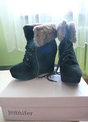 Kup mój przedmiot na #vintedpl http://www.vinted.pl/damskie-obuwie/sztyblety/8137291-czarne-botki-buty-na-platformie-i-koturnie