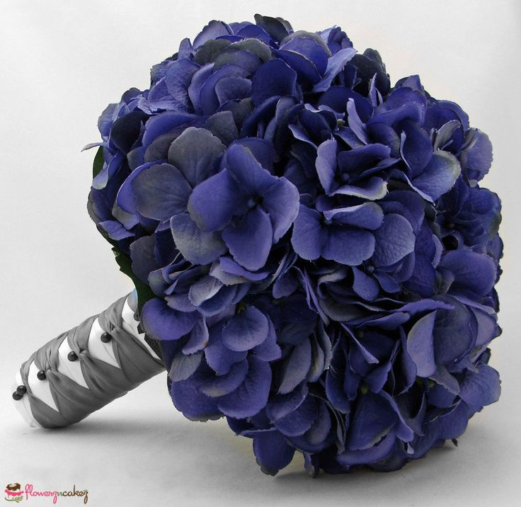 #blueflowers represents peace and serenity.. Gift them to a friend or co-worker..