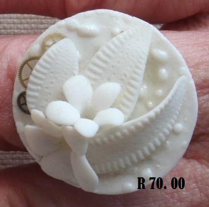 porcelain ring flowers leaves
