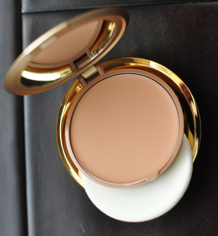 Milani Cream-to-Powder foundation in Medium Beige