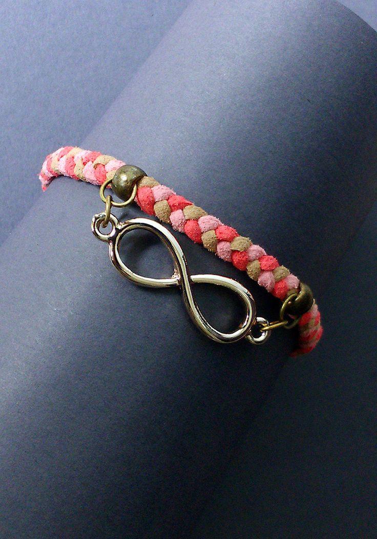 """Bracelet tressé """"Infinie"""" : Bracelet par maddy-crea"""