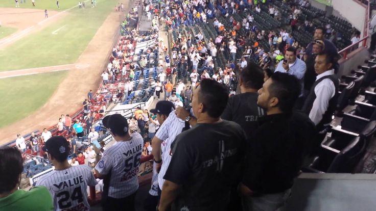 Banda El Recodo canta el corrido de Monterrey al finalizar el juego @ElRecodoOficial @Charly_Recodo @PonchoLizarraga