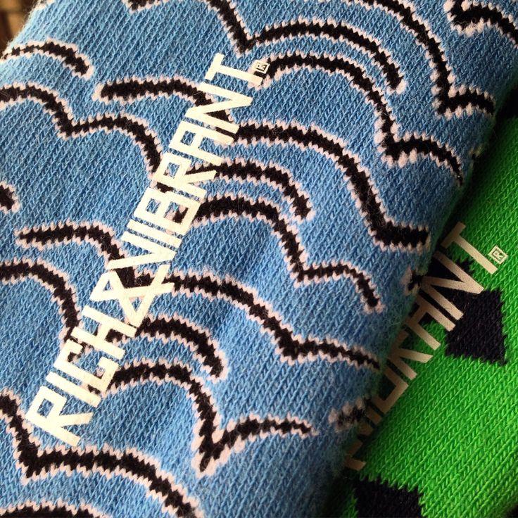 Yazin vazgecilmezi gorunmez coraplara da Rich&Vibrant renk ve desenlerini kattik. Cok yakinda satista. ✨ // We have added Rich&Vibrant's colors and patterns to your summer favourite no-show socks. Available soon. ✨