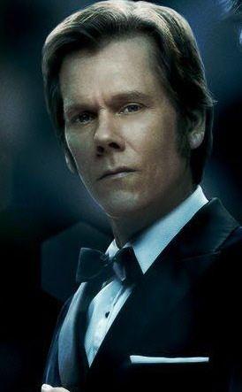 Sebastian Shaw (Kevin Bacon)