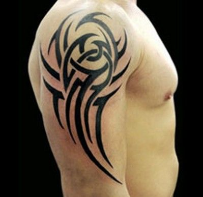 Tatouage homme tribal