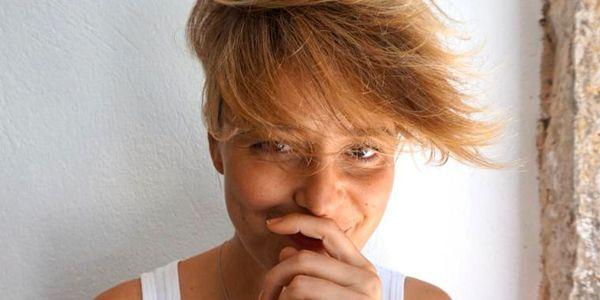 A apresentadora (Leonor Poeiras) da TVI voltou a mudar de look e está ainda mais radical.