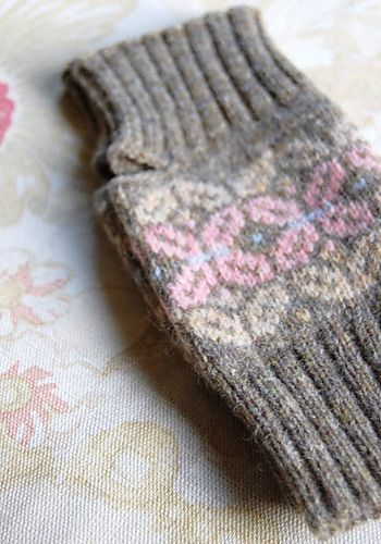 244 best Fair Isle Knitting images on Pinterest | Gloves, Knit ...