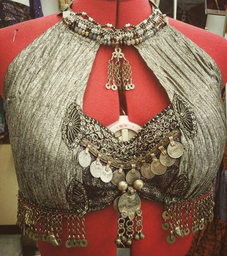 "77 Me gusta, 1 comentarios - Ulrike Hagspiel ShaliSari (@ulrikeshalisari) en Instagram: ""ShaliSari ☆☆☆ for Franzi #shalisari #designer #tribalfusionbellydance #dancingcostumes…"""