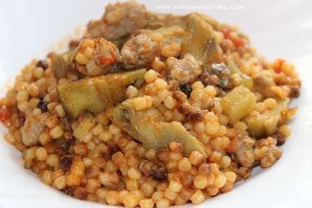 La Fregola alla Campidanese è una ricetta a base di materie prime genuine e autoctone che caratterizzano l'unicità di questo piatto tipico sardo.