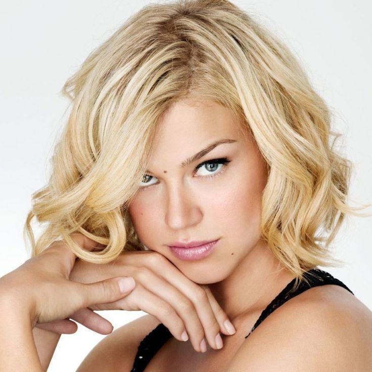 Фото красивые стрижки на средние волосы блондинки