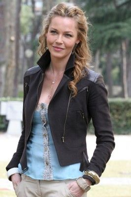 In my opinion, Connie Nielsen is one of the most beautiful women in the world.