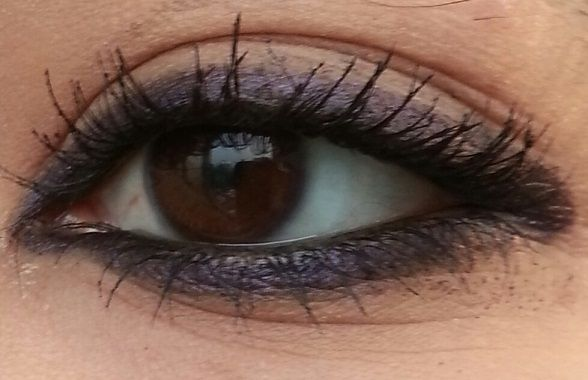 Bobbi Brown Smokey Eye Kajal Liner Black Amethyst: Review and Swatches