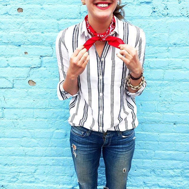 It's a stripes and bandana kinda day! If you're wondering how to tie a bandana, just roll it, wrap it around your neck, and tie it in a knot–done!
