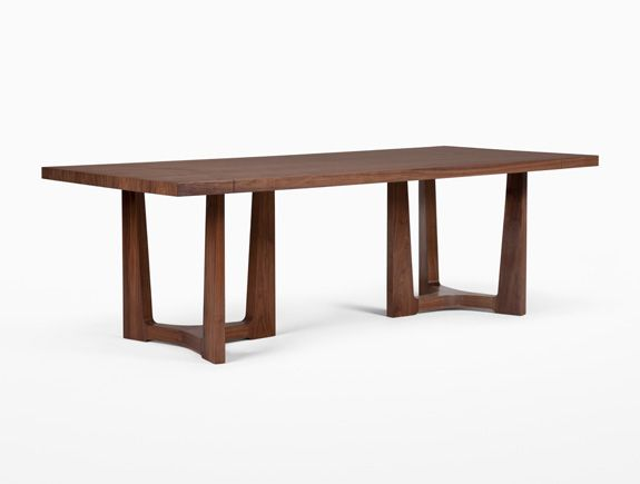 Trice Dining Table; HOLLY HUNT. Available at the DD Building suite 503 #ddbny #hollyhunt