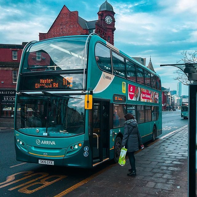 🚌🚦#liverpool by jakub_nespor. friendship #travel #photooftheday #crew #crewlife #europe #photo #travelgram #britain #eu #photography #great #flight #designer #friends #england #trip #design #liverpool