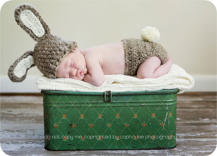 eeep I love this one even more: Baby Baby, Easter Bunnies, Baby Poses, Baby Bunnies, Baby Boys, Baby Girls, Diapers Covers, Baby Photos, Baby Stuff