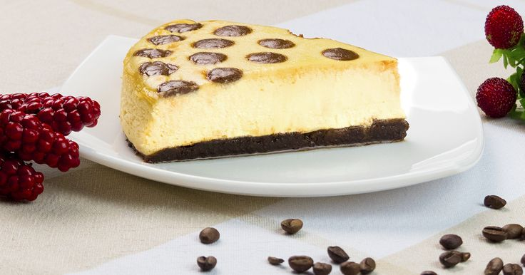 Acest cheesecake este un adevărat deliciu, care are nu doar un aspect atrăgător, dar și un gust irezistibil. Răsfățați-i pe cei dragi cu acest desert miraculos, fin și foarte aromat, care se topește în gură