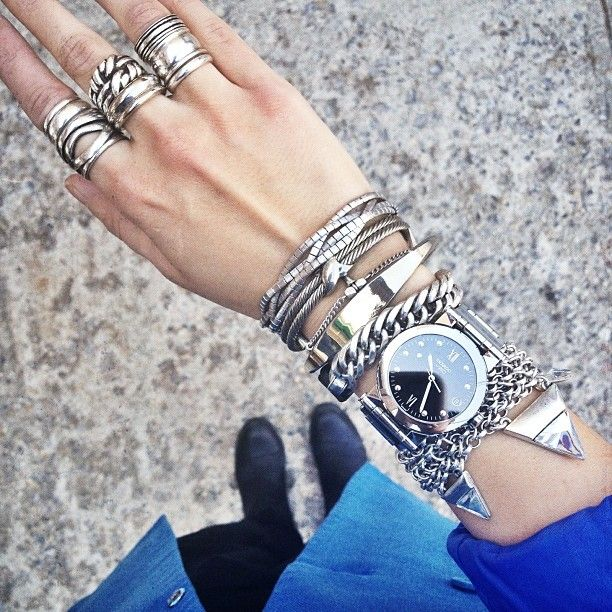 Pretty in Thrift wearing the Illumina bracelet w/ Hustle & Flow bracelet #birdgirls #jennybird
