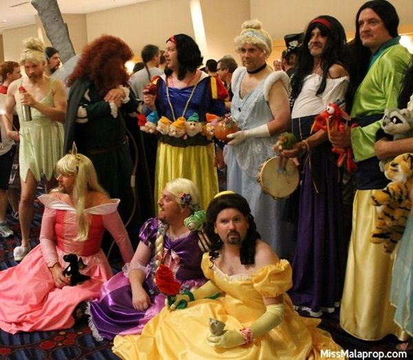 Funny group costume ideas (6)