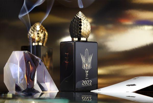 777 2022 GENERATION Man EDP  «Złocisty oud», Birmański oud o charakterystycznym wyrazistym i mocnym aromacie, zaskakująco komfortowo stapia się ze skórą. Dodatek owoców sprawia, że oud nabiera jędrności i gładkości.