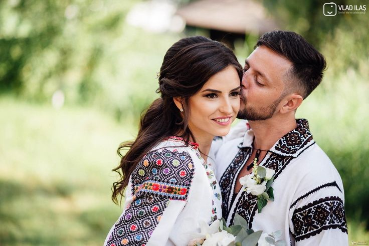 Andreia și Ionuț. Nuntă tradițională la Muzeul Satului Bucovinean.