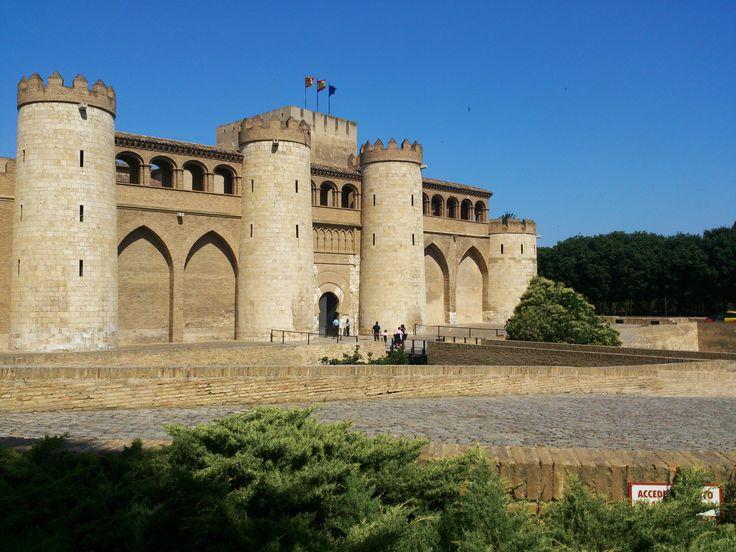 Palacio de la Aljafería en Zaragoza /   Photographs: Ying-Jia, Cheng