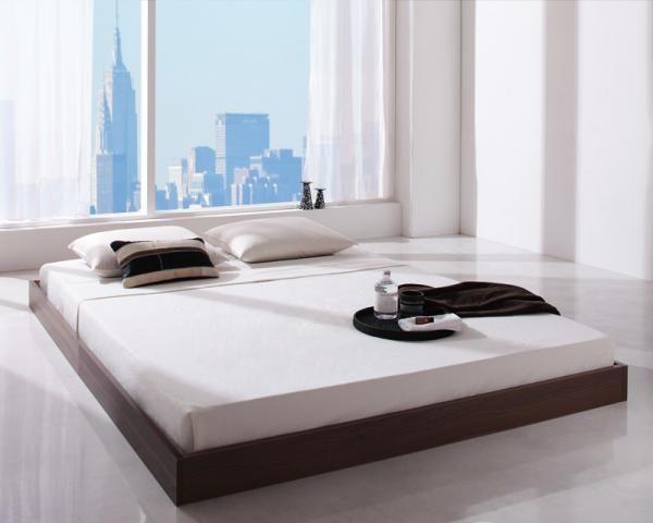 シンプルデザイン/ヘッドボードレスフロアベッド【Rainette】レネット。ヘッドボードが無いシンプルな形のベッドなので、全長が200cmとコンパクトサイズ。今まで置けなかった場所にも設置可能です。布団での睡眠に一番近い形のベッドでもありまりす。布団の敷きっぱなしは不衛生ですが、ベッドの生活になれば、それが普通。
