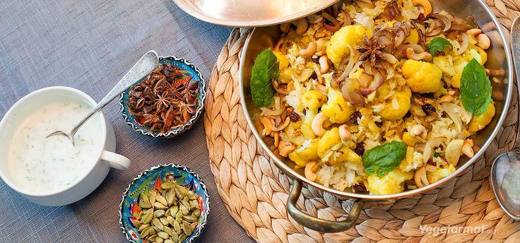 Biryani er en indisk risrett med krydder og grønnsaker som gratineres i ovnen…