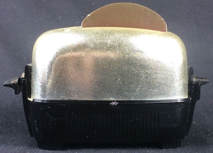 Vintage Toaster w/ Pop-Up Toast Salt & Pepper Shaker Set 1950s Midcentury COOL!