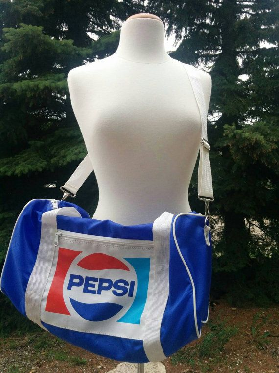 Check out this item in my Etsy shop https://www.etsy.com/listing/387152164/vintage-1970s-pepsi-sports-bag