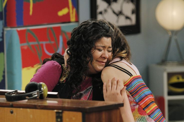 """A bullied Trish being comforted by Ally in the bullying special episode """"Beauties and Bullies"""" on Austin & Ally #friendships #antibullying"""