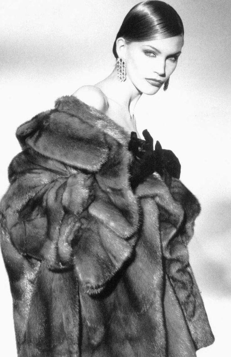 1000 images about debby 2 on pinterest coats bad girls and mink - Fliesendekor furs bad ...