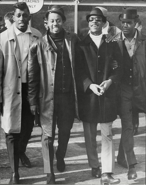 """"""" Melvin Franklin, Otis Williams, and Paul Williams of The Temptations with Stevie Wonder. """""""