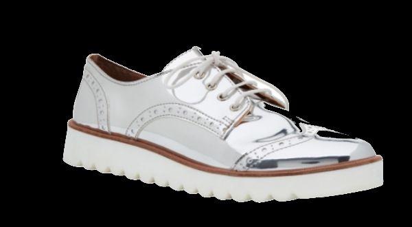 Promoção da Corello tem sapatos e bolsas por até metade do preço