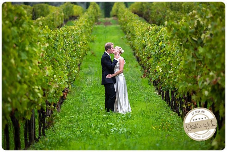 I'm crazy about vineyard portrait sessions... this one is near San Casciano (FI), tuscany. Ph Fia Forever http://www.brideinitaly.com/2013/10/fiaforever-tuscany.html #italy #destination #wedding