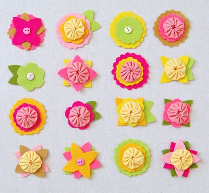 Springy felt flowers: Flowers Pin, Felt Flowers Templates, Hair Toys, Templates For Felt Hair Bows, Yoyo Ideas, Adorable Projects, Flowers Hair, Felt Charms, Flowers Charms
