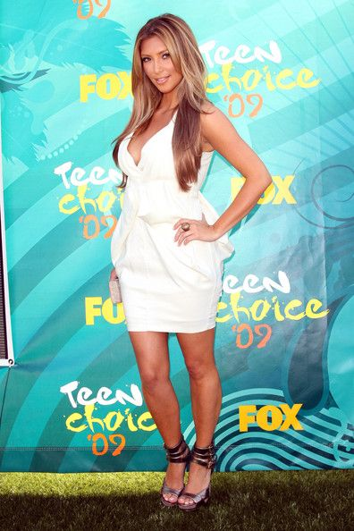 Kim Kardashian Photos: 2009 Teen Choice Awards - Fashion Choices