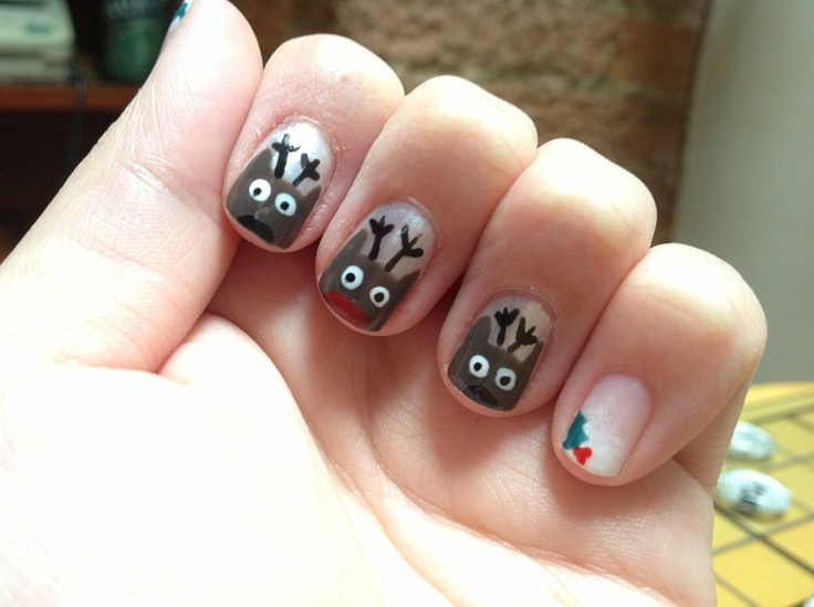 x-mas nails: Rudolf and the reindeers