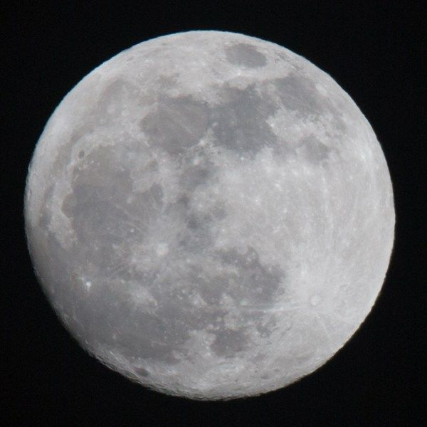 Focal length 500 mm - some chromatic aberration is visible