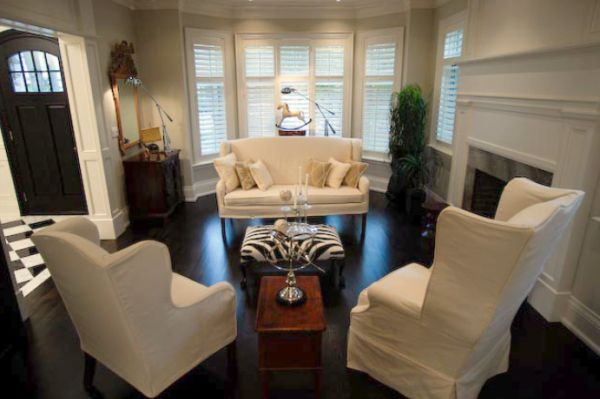 Best 25 furniture arrangement ideas on pinterest for Window placement in living room